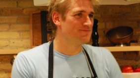 Swoon-worthy chef Curtis Stone teaches us how to bump and grind