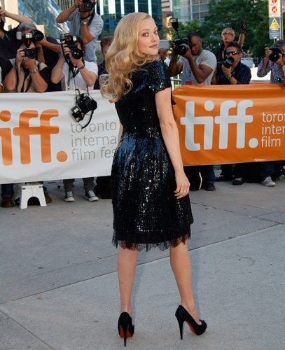 11370  Amanda Seyfried at the premiere of Chloe. (Photo by Karon Liu)   https   torontolife.com wp-content uploads 2009 09 AmandaSeyfried3.jpg ... 2b741310c4b6