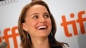 Natalie Portman is hyper aware of cameras, Lisa Kudrow loves playing horrible people