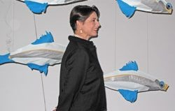 Isabella Rossellini emulates fish fornication at the ROM