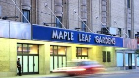 Waiters' secrets revealed, the thieving of oysters, Loblaws to move into Maple Leaf Gardens