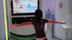Microsoft takes over Dundas Square for Kinect launch; will gamers pay more to look sillier?