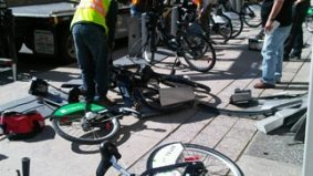 War on the Car: cars still winning, this time in a battle against a Bixi bike stand