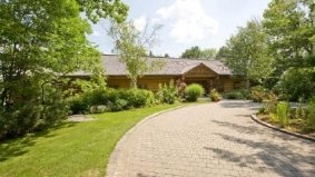 Cottage of the Week: $8.5 million for a Lake Muskoka log cabin