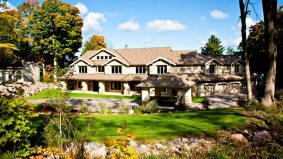 Cottage of the Week: $4.5 million for a Georgian Bay mansion masquerading as a cottage
