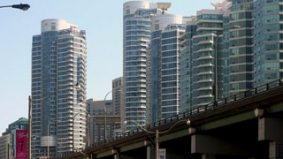 Banks begin to agree: Toronto's condo market is getting a little bubbly