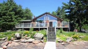 Cottage of the Week: $589,000 for a classic cottage on Head Lake