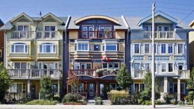 House of the  Week: $1 million for a home in The Beach with a San Francisco-esque façade