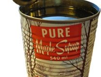 Two U.S. senators propose calling in the feds over fake maple syrup