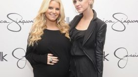 Jessica and Ashlee Simpson will appear at The Bay