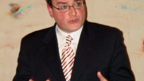 Apparently, Ezra Levant can speak Spanish—but only the bad words