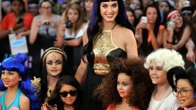 Children as accessories and wearing Canadian are top trends on MMVA red carpet
