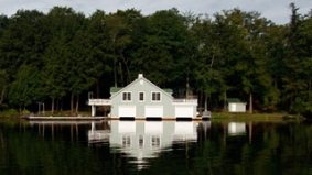 Ontario's cottage market went from lagging to booming in a month
