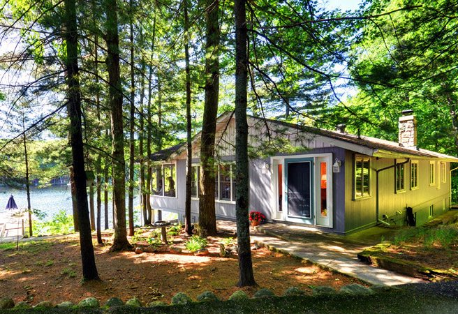 Cottage of the Week: $1.6 million for a bayfront property that's classic Muskoka