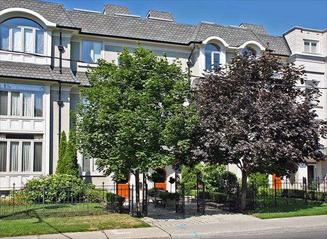 House of the Week: $1.3 million for a townhome with a rooftop view of Casa Loma