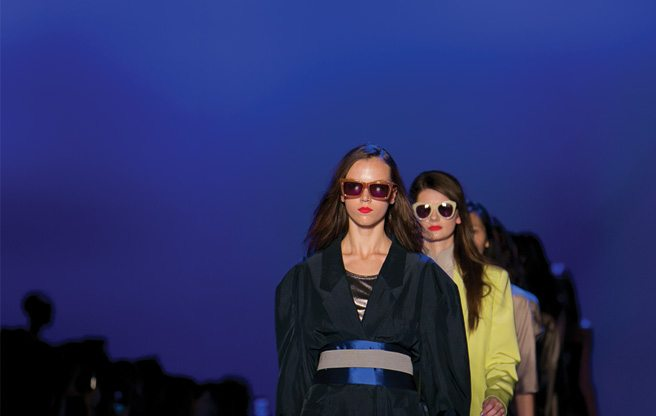 Toronto Fashion Week: Arthur Mendonça shows gorgeous saturated hues for spring/summer 2013