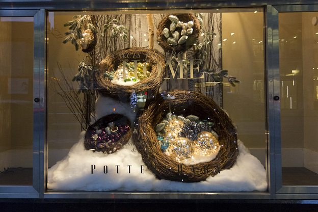 GALLERY: 15 Toronto shops with festive Christmas windows