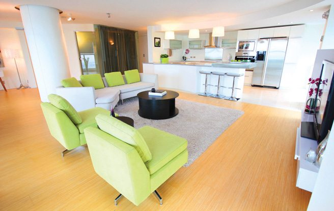 Condo of the Week: 77 Harbour Square, Unit 3508
