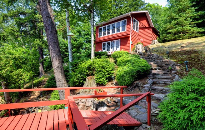 Cottage of the Week: 1089 Thumb Creek Trail