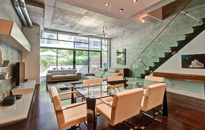 Condo of the Week: $940,000 for a King West townhouse that feels like an upscale loft
