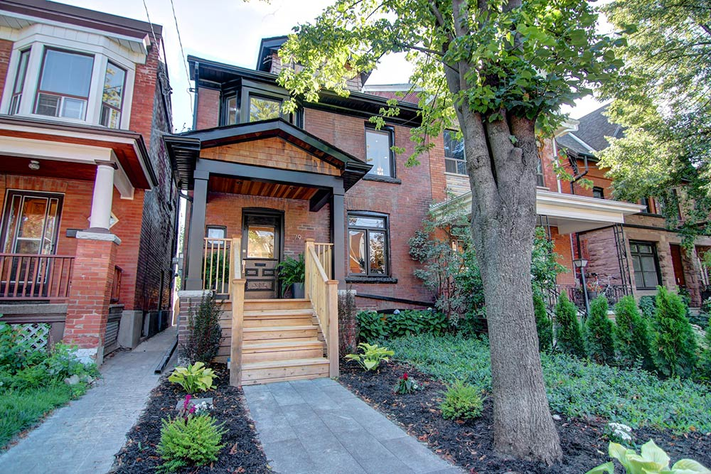 House of the Week: $1.25 million for a totally overhauled former rooming house in Trinity Bellwoods
