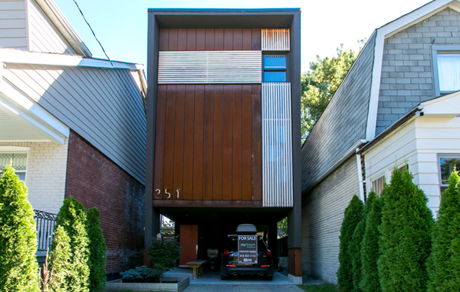 House of the Week: 251 Lumsden Avenue