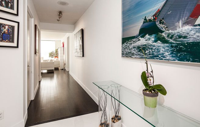 Condo of the Week: $900,000 for a sleek Mimico suite with an uninterrupted lake view