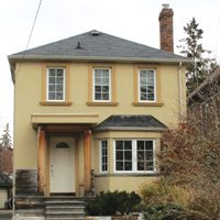 Sherwood Avenue (near Yonge and Eglinton). Listed at $1,224,000, sold for $1,212,000.