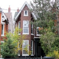 Robert Street (near Bloor and Spadina). Listed at $1,298,800, sold for $1,235,000.