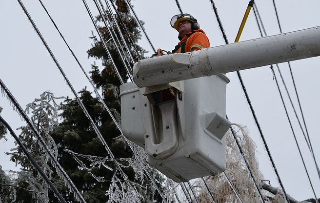 After being hailed as heroes, Toronto Hydro workers could strike in February