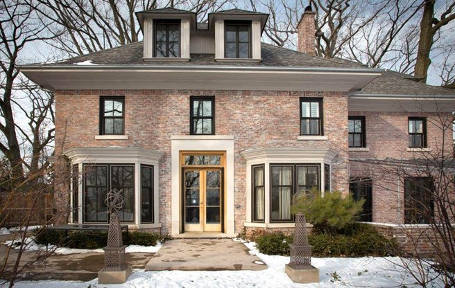 House of the Week: 46 Old Bridle Path