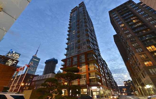 Condo of the Week: $1 million for a swankily renovated downtown penthouse