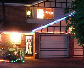 Dear Urban Diplomat: what should I do with neighbours who still have their tacky Christmas decorations up?