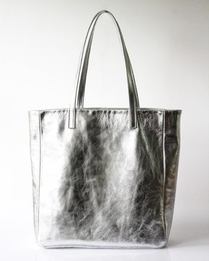 The Find: a glam take on a practical fall tote
