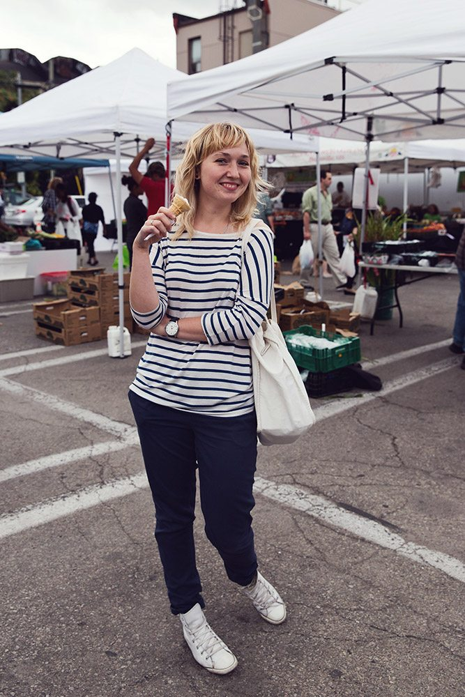 Street Style: locavores hit up the Annex farmers' market for in-season corn and blueberries
