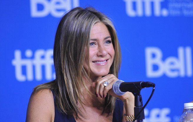 Jennifer Aniston talks about letting herself go for <i>Cake</i>