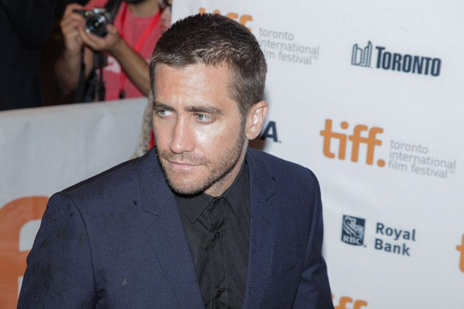 Jake Gyllenhaal shows off his perfect stubble on the red carpet for <em>Nightcrawler</em>