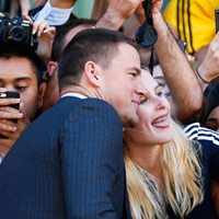 Channing Tatum steals the spotlight from Steve Carell at <em>Foxcatcher</em>'s red carpet