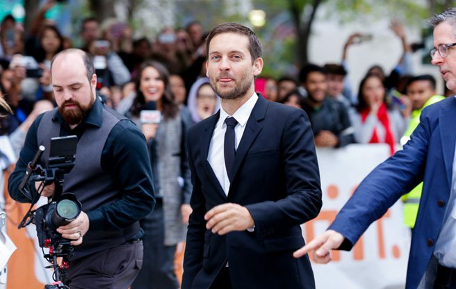 Tobey Maguire and Peter Sarsgaard talk chess at the world premiere of <em>Pawn Sacrifice</em>