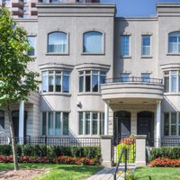 Condo of the Week: $1.5 million for a Rosedale-Moore Park townhouse with a sprawling master suite