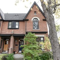 House of the Week: $1.4 million for a faux-Victorian with a rooftop terrace in the Annex