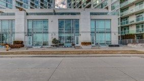 Condo of the Week: $1.7 million for a Mimico townhouse with the view of the lake