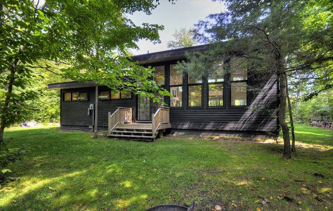 toronto-cottage-of-the-week-mcvittie-island-intro