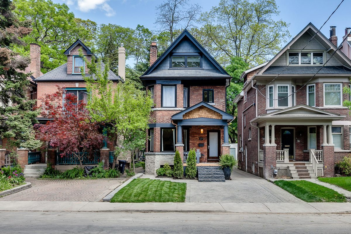 House of the week 1 9 million for a designer home near casa loma