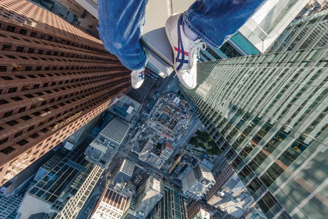 A New Altitude: photographer Ronnie Yip shoots the city from dizzying, dazzling heights