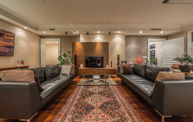 The condo for sale at 1 St. Thomas Street