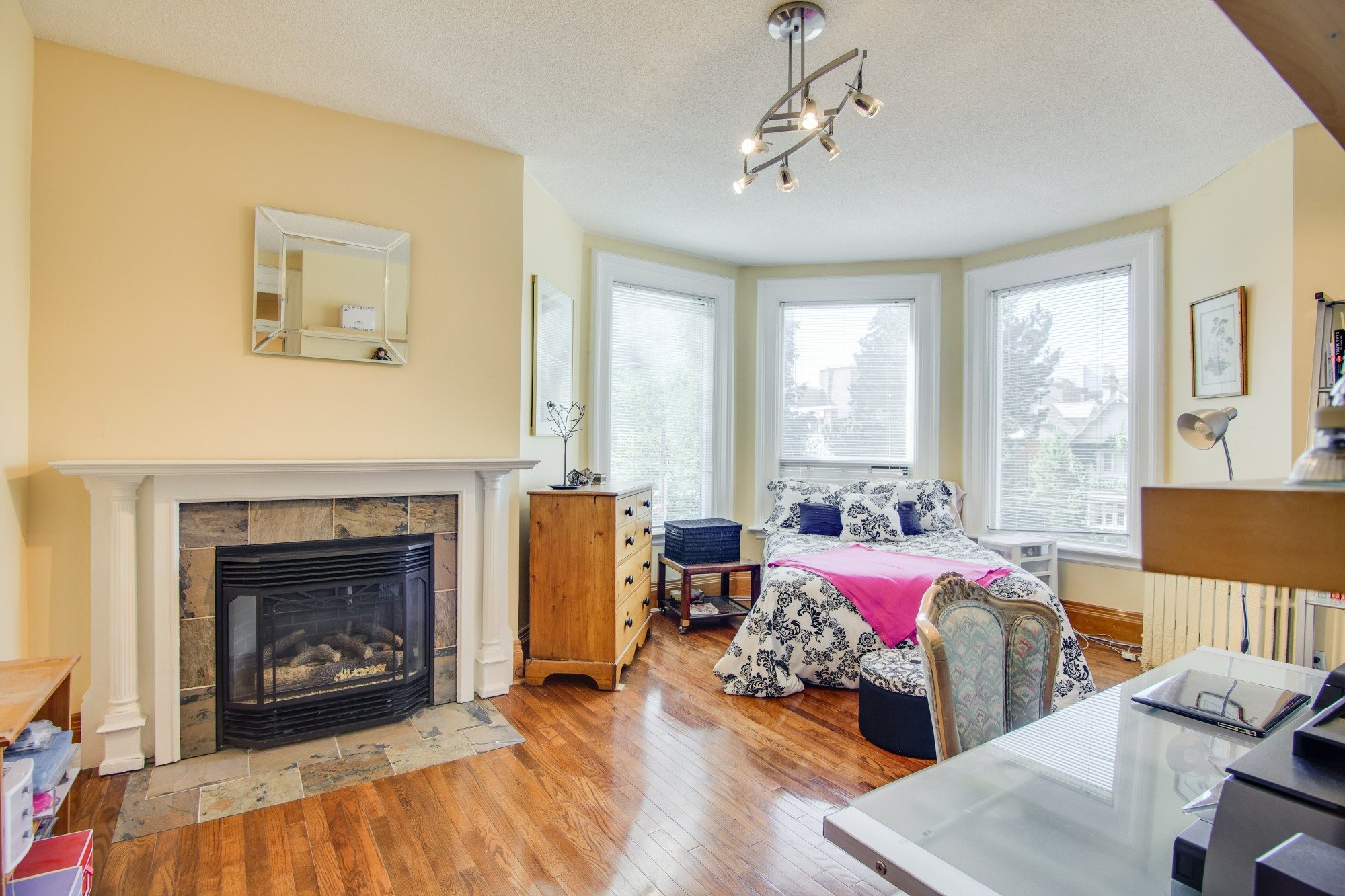 toronto-house-for-sale-55-walmer-road-11