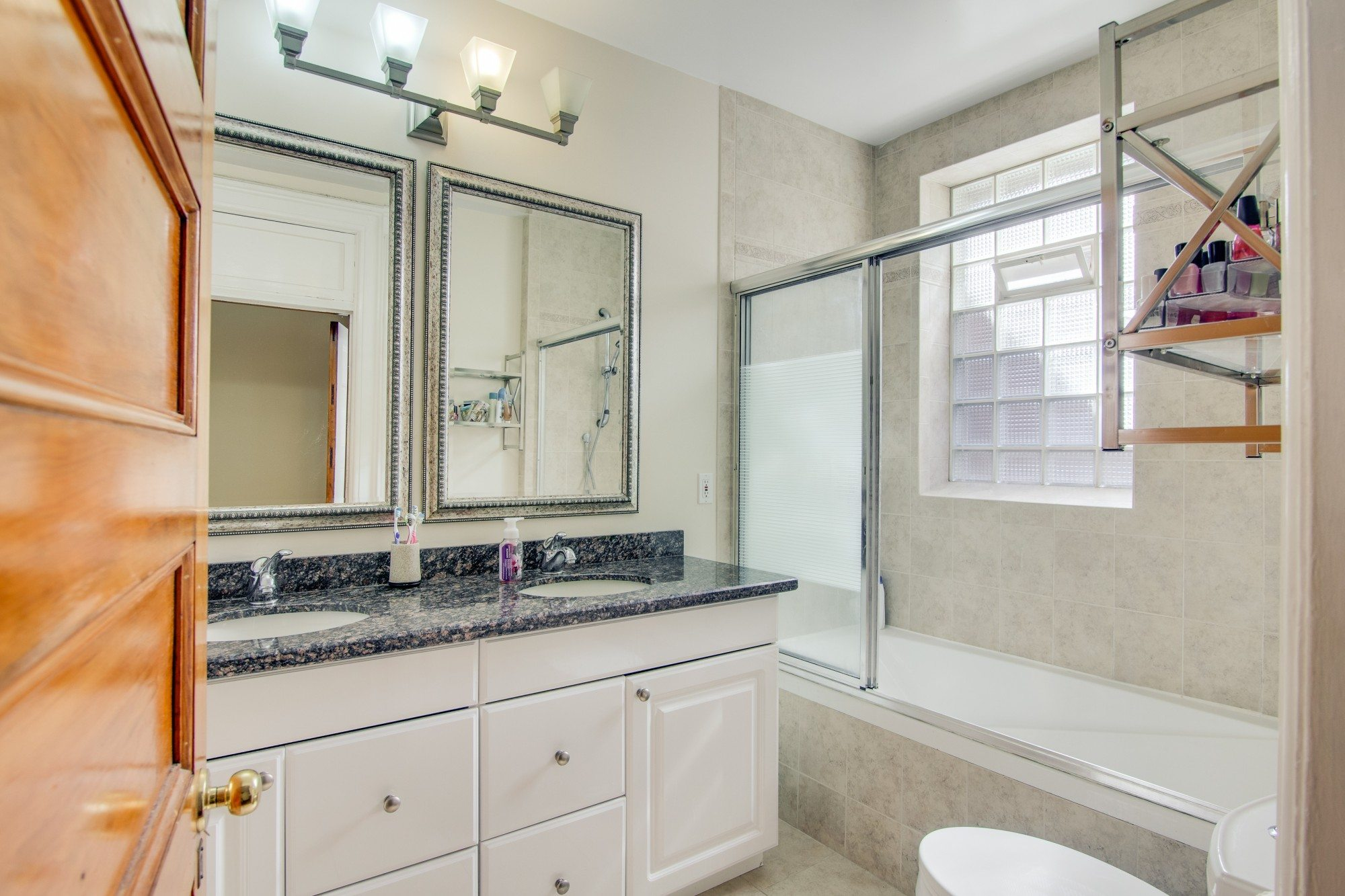 toronto-house-for-sale-55-walmer-road-13