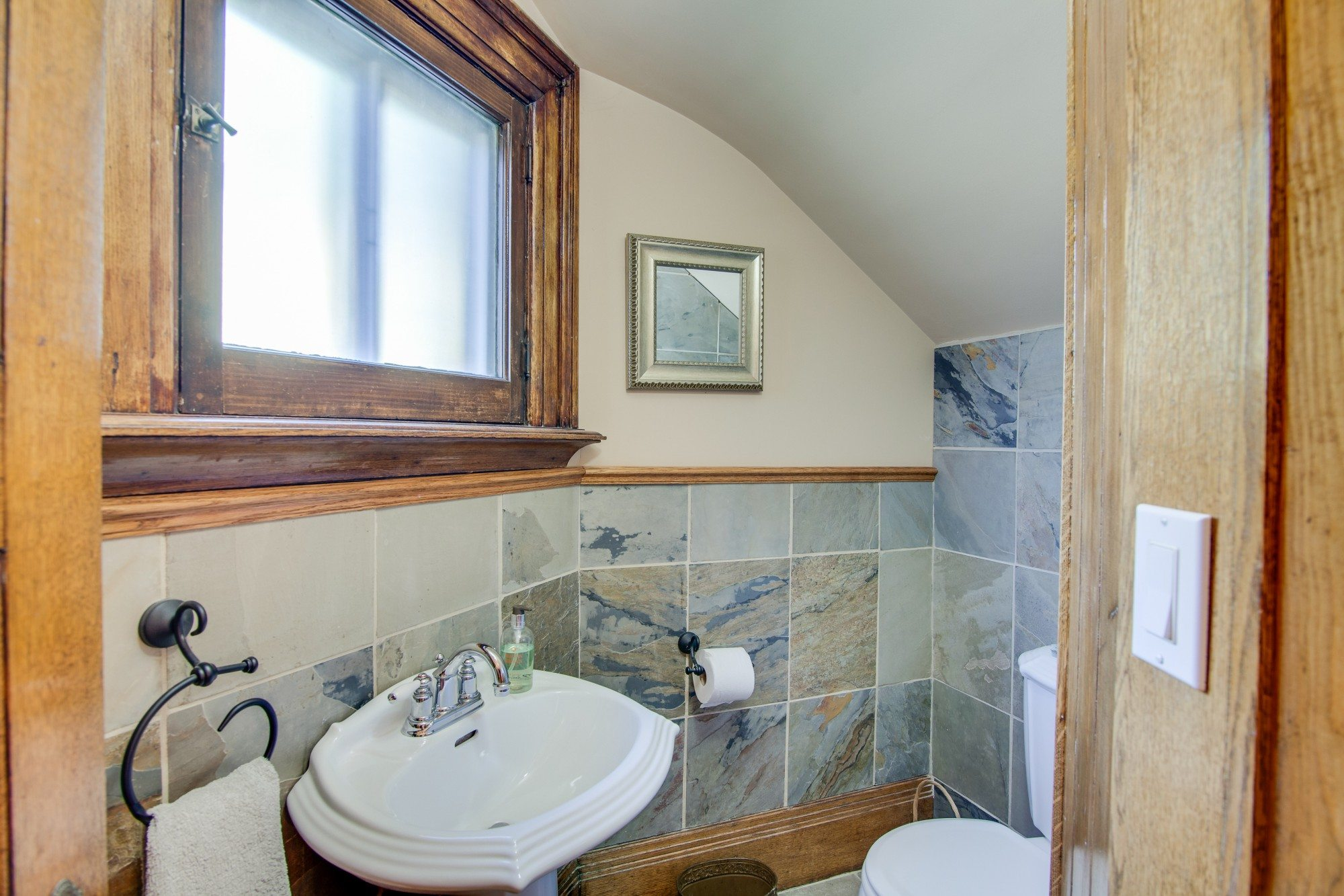 toronto-house-for-sale-55-walmer-road-3