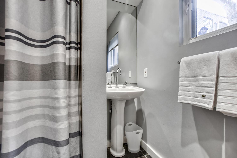 toronto-house-sold-298b-sackville-street-5